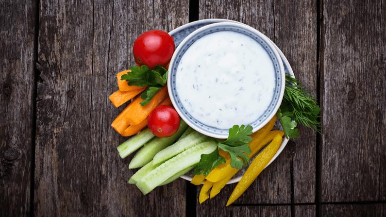 Fetacreme med grøntsagsstave